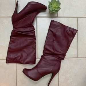 Cranberry Maroon faux leather high heeled boots 👢